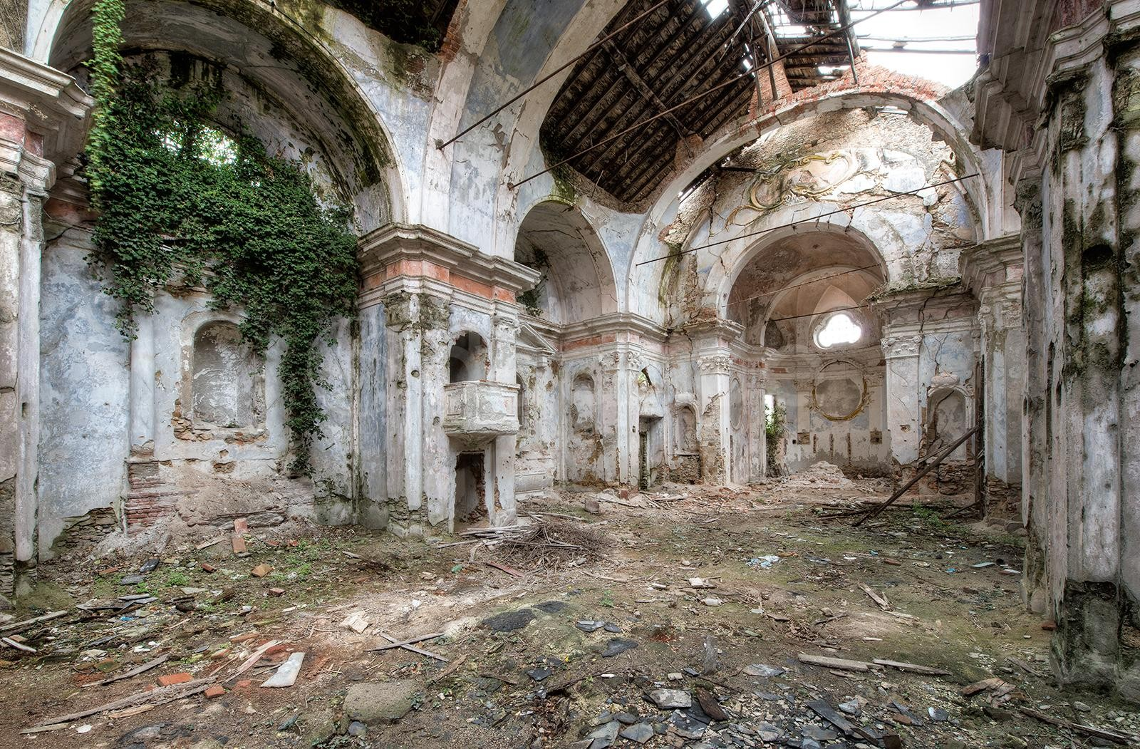 Daanoe - Forgotten Balcony
