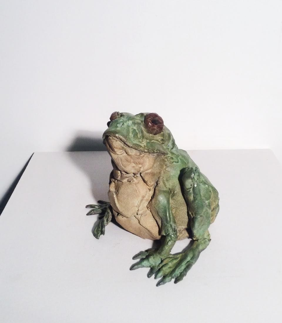 Pieter VandenDaele - Sitting frog