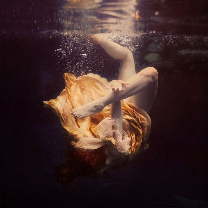 Brooke Shaden - The Chainless Links