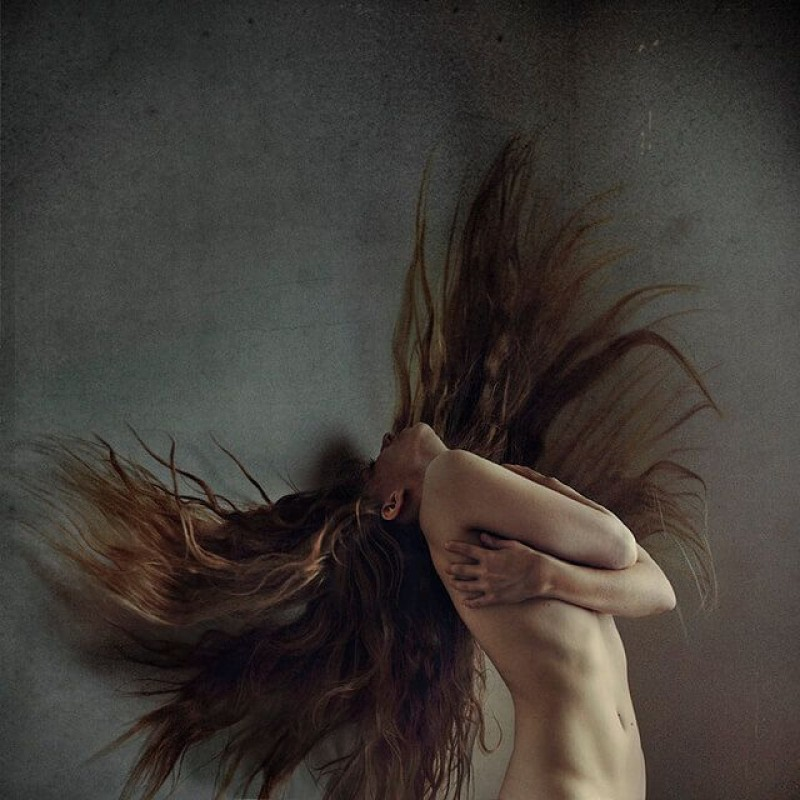 Brooke Shaden - Flight of the Trapped