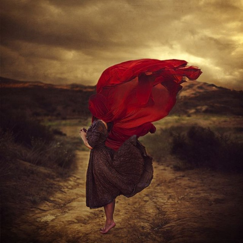 Brooke Shaden - The path of Lost Souls