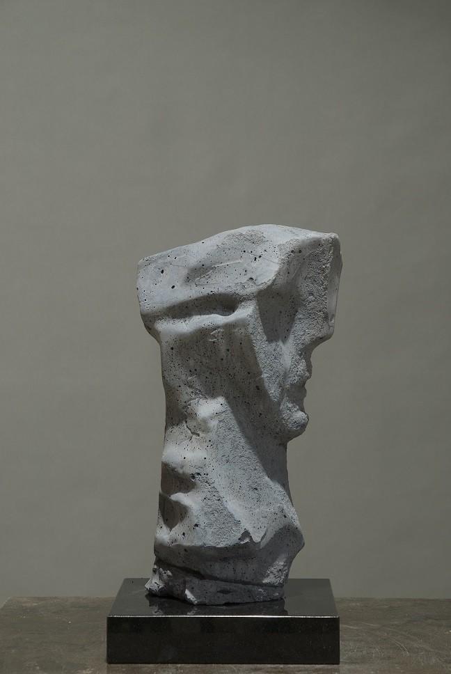 Thomas Junghans - Concrete Head