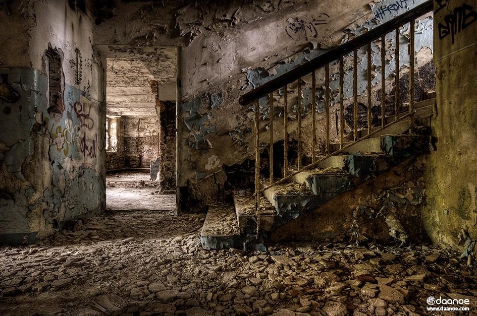 Daanoe - Downstairs