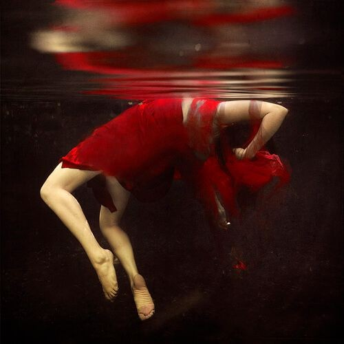 Brooke Shaden - Falling apart
