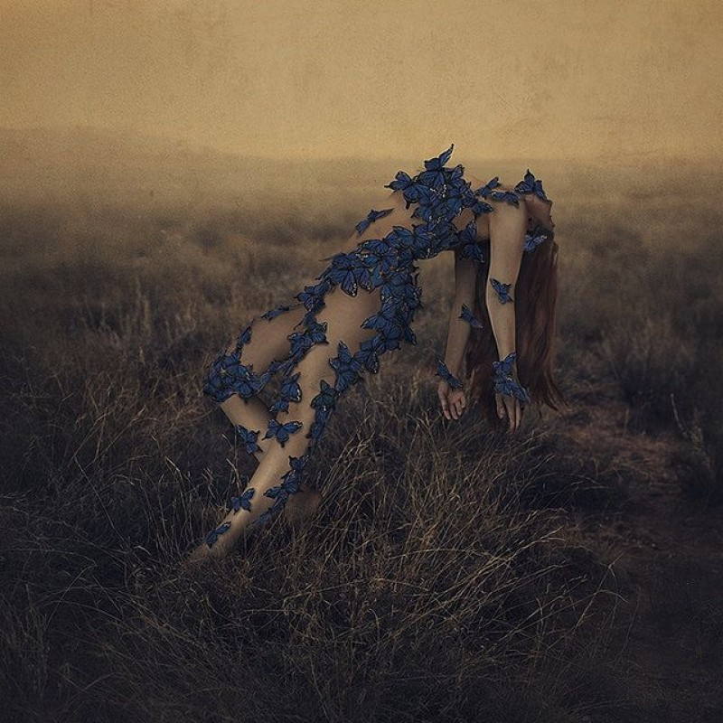 Brooke Shaden - THe sound of flying souls III